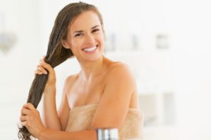 5 Easy Homemade Hair Serum Recipes For All Types Of Hair